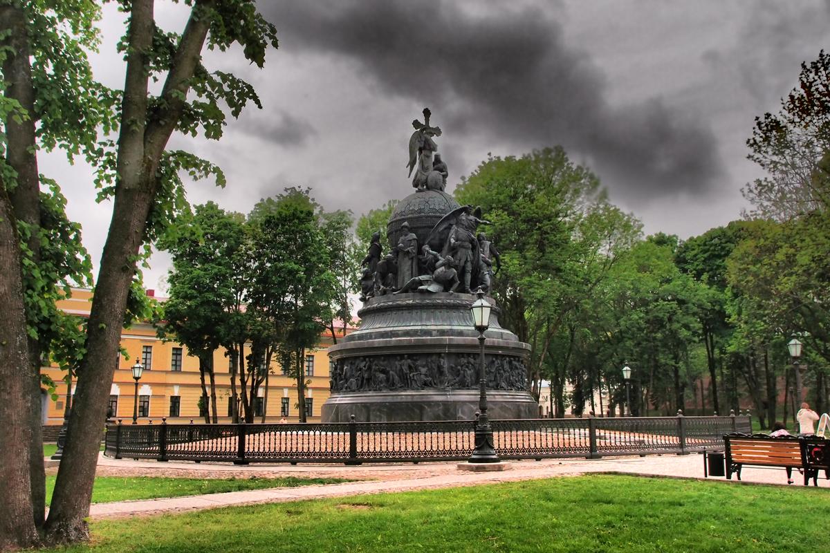 вагоны новгород памятник тысячелетие россии картинка русский ищет себе